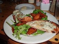 Salad_with_gorgonzola_pecan_bread